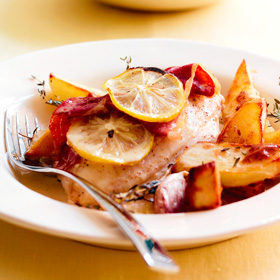 Lemon chicken with potato wedges