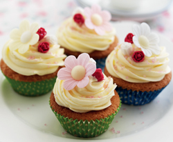 Dainty-Floral-Cupcakes