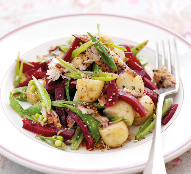 Potato, beetroot & mackerel salad