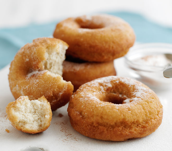 Cinnamon doughnut rings