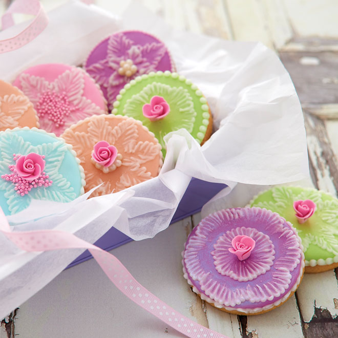 How to make embroidery biscuits